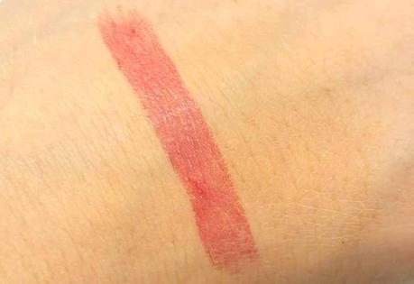 lavera-colour-intense-lipstick-pink-fuchsia-swatch