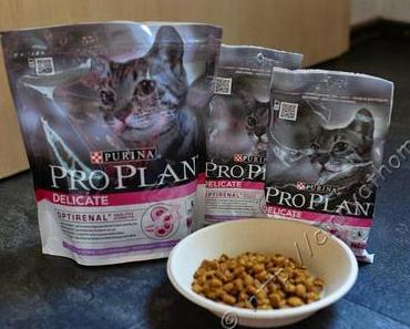 Hier knuspern die Katzen Purina Pro Plan Delicate