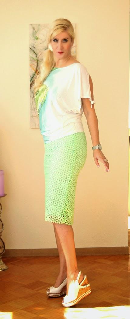 Green lace skirt - for Bianca :)
