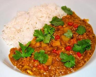 Linsen (Dal) Curry mit Kartoffel und Karotte