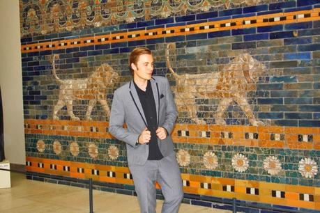 Outfit The Ishtar Gate in Berlin 3