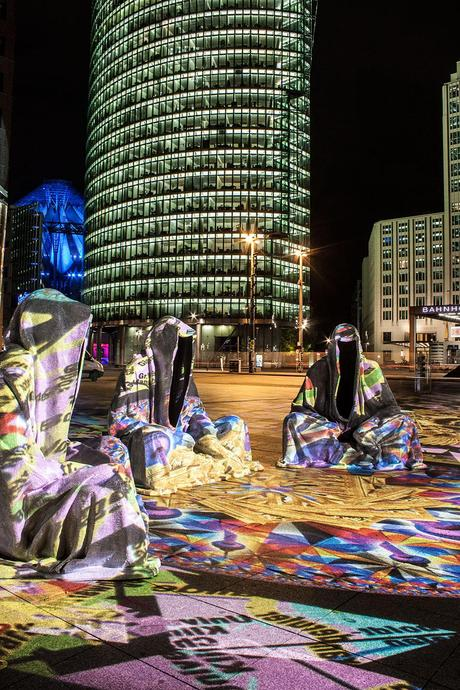 festival-of-lights-berlin-potzdamer-platz-light-art-show-exhibition-lumina-guardians-of-time-manfred-kili-kielnhofer-contemporary-arts-design-large-scale-monumental-public-sculpture-3517