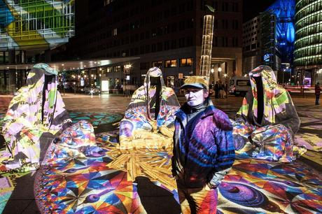 festival-of-lights-berlin-potzdamer-platz-light-art-show-exhibition-lumina-guardians-of-time-manfred-kili-kielnhofer-contemporary-arts-design-large-scale-monumental-public-sculpture-3509