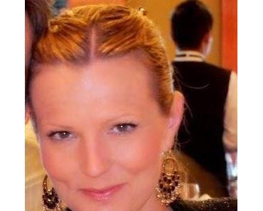 Allzeit gute Fahrt, Costa Diadema! wünscht auch Sonja Sauer als Ehrendame...!