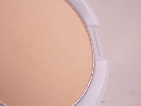 [Review] Manhattan Clearface Compact Powder  Puder 70