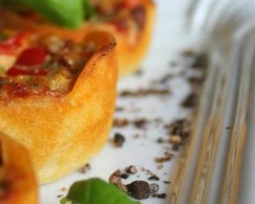 ich backs mir: vegetarische Mini Quiche mit Paprika, getrockneten Tomaten und Lauch