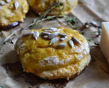 Savoury Wednesday {Pumpkin October}: Buttermilch Brötchen mit Kürbis und Parmesan