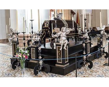 """Tumba"" – Grabmal in der Basilika Mariazell aufgestellt – 2014"