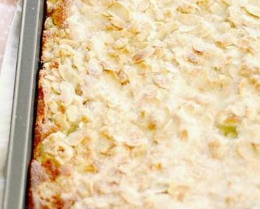 Rhabarberkuchen mit Zimtstreuseln - Smells like happiness