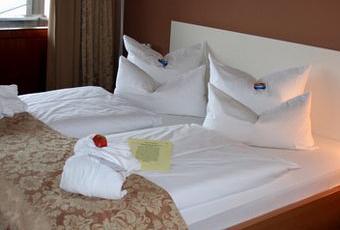 betten machen ein ungesunder hausfrauenstolz. Black Bedroom Furniture Sets. Home Design Ideas
