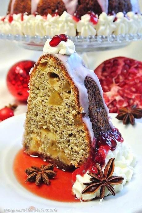 Adventgugelhupf mit Mohn, marinierten Glühwein-Äpfeln und Granatapfelguss - so fein schmeckt nur ...