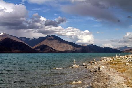 Sehnsuchtsorte: Der Pangong-See in Changthang
