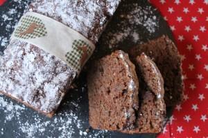 Zum Nikolaus: Veganes Apfel-Rosinen-Brot