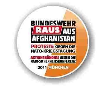Demo gegen die Nato und Afghanistankrieg