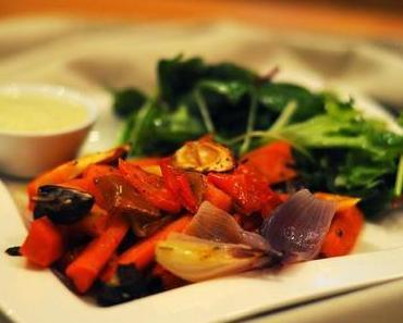 Schmorgemüse mit würzigem Mandeldip