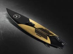 Surfboard von Mercedes-Benz und Garrett McNamara
