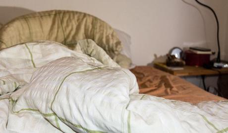 nicht das bett machen m ssen tag der amerikanische don t make your bed day. Black Bedroom Furniture Sets. Home Design Ideas