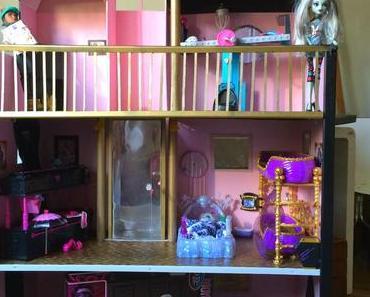 Was der Weihnachtsmann bringt - oder - Monster High Puppenhaus