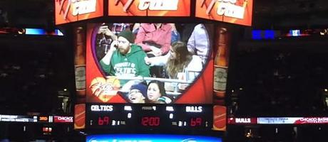 chicago-bull-kiss-cam