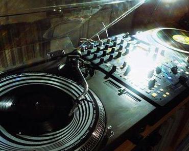Ef You >> From Schwarz to Black (free DJ Mix)