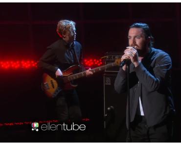 "Chet Faker – ""Gold"" (Live at The Ellen DeGeneres Show) [Video]"