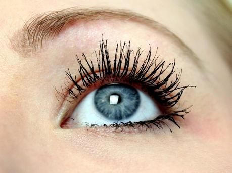 Mascara-Montag (4): Clinique Lash Power Feathering Mascara