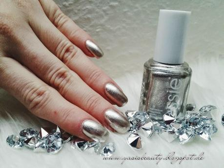 Winterliches Nail Design - Nail Friday