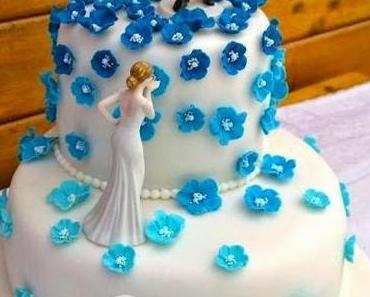 Hochzeitstorte in Blau-Weiß