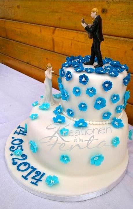 Hochzeitstorte In Blau Wei Im Zusammenhang Mit Blaue Hochzeitstorten