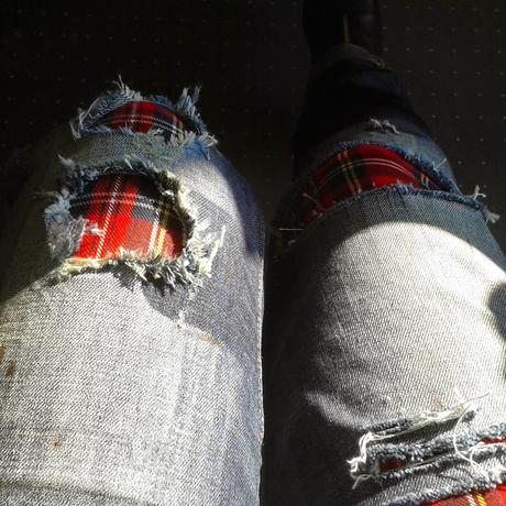 A butterfly: Blue jeans and the Scotish (A Fashion Project)