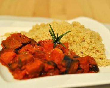 Auberginen-Tomaten-Pfanne mit Kamut-Couscous