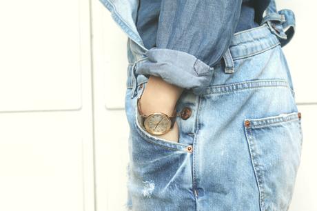 Hip teens dont were blue jeans