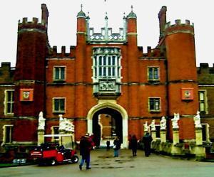 Wo Heinrich VIII. lebte und liebte: Hampton Court Palace