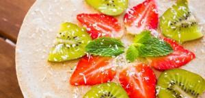 Nur 3+3 Zutaten für einen frühlingshaften Kiwi-Zitronen-Cheesecake