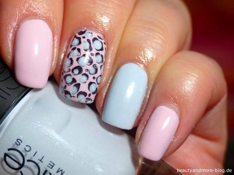 CATRICE Nude Purism Nail Design