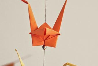 origami kranich mobile. Black Bedroom Furniture Sets. Home Design Ideas