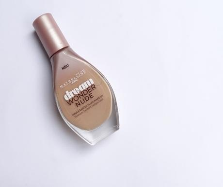Neu von Maybelline: dream wonder nude Fluid Make-Up (in 030)