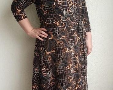 Butterick 5030- ein weiteres Wickelkleid aus Jersey!