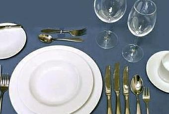 Einen Tisch Eindecken