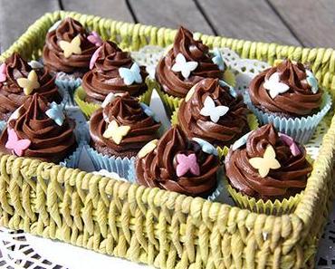Mini Schokoladen-Cupcakes mit Schoko-Baileys-Creme