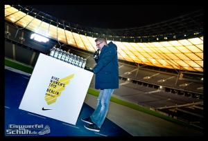 EISWUERFELIMSCHUH - NIKE BERLIN Womens Run Kick Off Olympiastadion (37)
