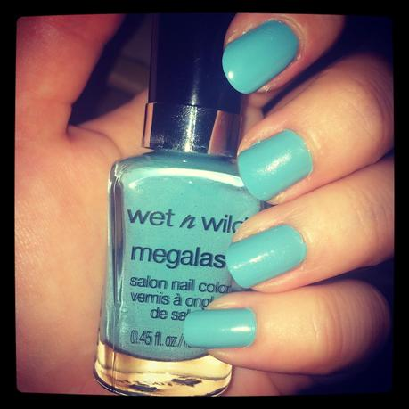 http://www.unlike-girl.com/2014/10/wet-n-wild-nail-color-i-need-refresh.html