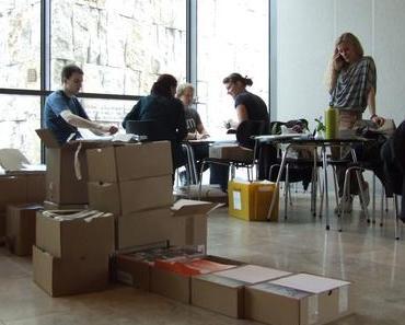 Hinter den Kulissen: Das DOK.fest baut im Jüdischen Museum auf!