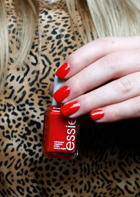 [Lacke] essie - happy wife happy life