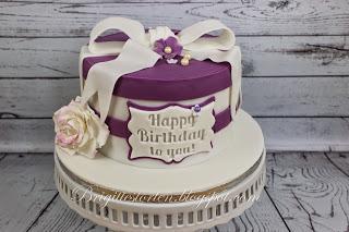 torte zum  geburtstag  purple und weiss