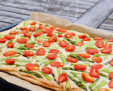 Spargel-Tomaten-Flammkuchen